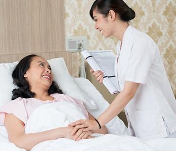 Luôn có điều dưỡng viên và bác sĩ túc trực