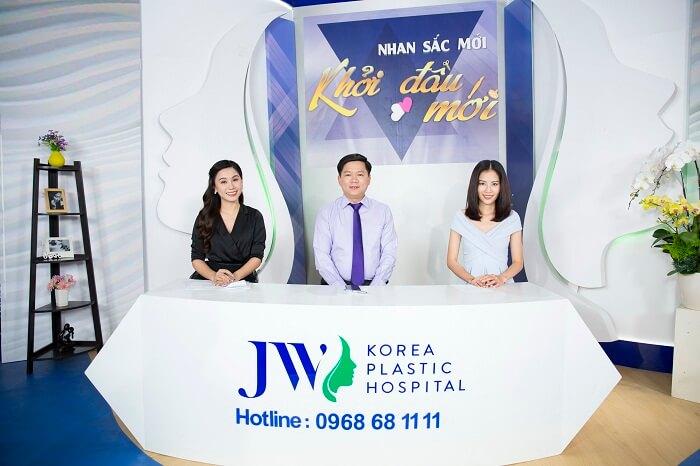 Nam Anh bất ngờ khi nghe Diễn viên hài Việt Trang công khai chuyện sửa mũi